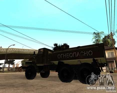 Ural 4320 camión para GTA San Andreas vista posterior izquierda