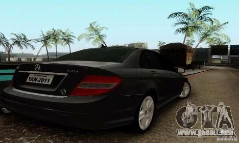 Mercedes-Benz C180 para la visión correcta GTA San Andreas