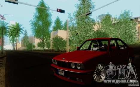 BMW E34 540i Tunable para GTA San Andreas vista posterior izquierda