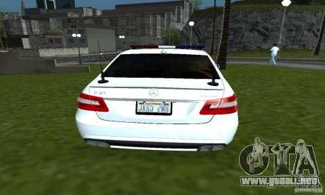 Mercedes-Benz E63 DPS para GTA San Andreas vista posterior izquierda