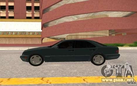 Mercedes Benz E420 W210 para GTA San Andreas vista hacia atrás