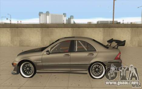 Mercedes-Benz C32 AMG Tuning para GTA San Andreas left