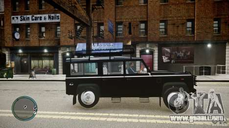 Land Rover Defender para GTA 4 left