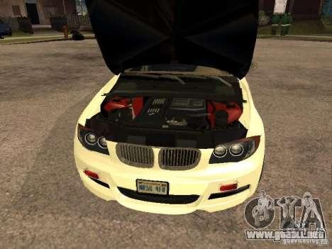 Bmw 135i coupe Police para la visión correcta GTA San Andreas