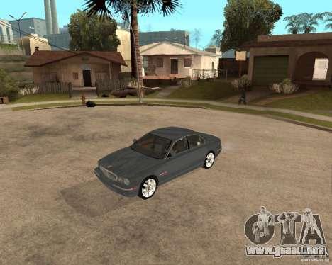Jaguar XJ-8 2004 para GTA San Andreas left