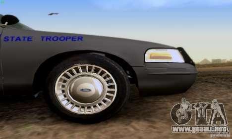Ford Crown Victoria Kentucky Police para la visión correcta GTA San Andreas