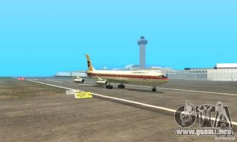Boeing 707-300 para GTA San Andreas vista hacia atrás