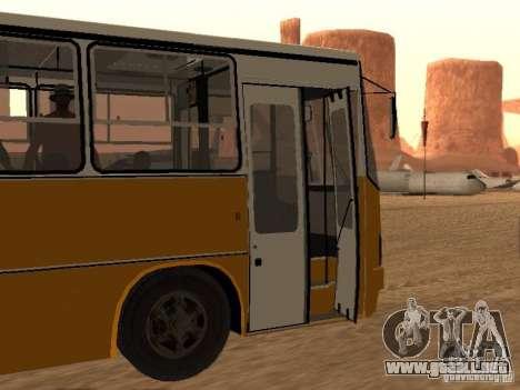 IKARUS 280.46 para GTA San Andreas left