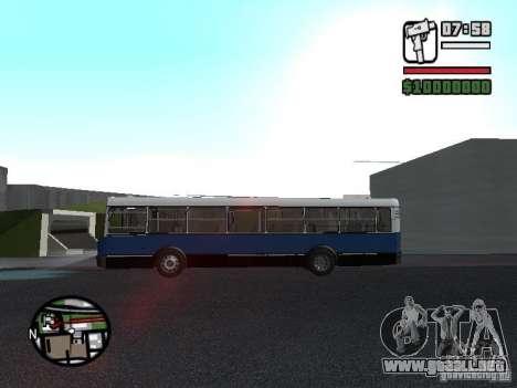 Ikarus 415.02 para GTA San Andreas vista hacia atrás