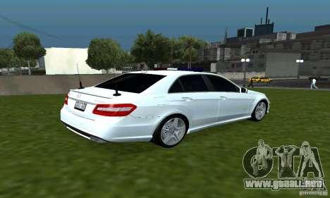Mercedes-Benz E63 DPS para la visión correcta GTA San Andreas
