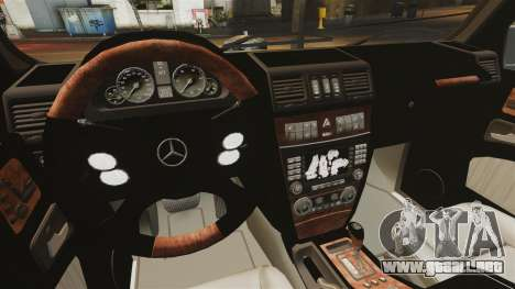 Mercedes-Benz G500 para GTA 4 vista lateral