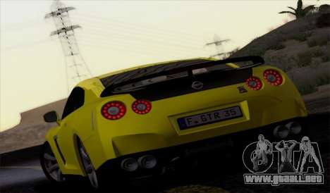 Nissan GT-R Carbon para GTA San Andreas left