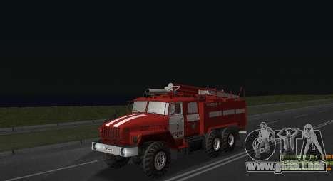 Ural 4320 bombero para GTA San Andreas vista posterior izquierda