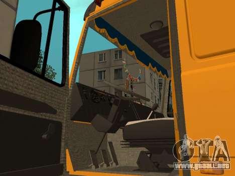 MAZ 53366 para GTA San Andreas vista hacia atrás