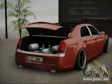 Chrysler 300C Stance para la visión correcta GTA San Andreas