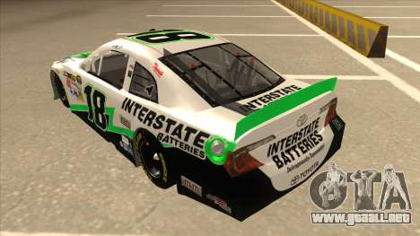 Toyota Camry NASCAR No. 18 Interstate Batteries para GTA San Andreas vista hacia atrás