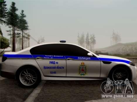 BMW M5 F10 INTERIOR OFICINA para GTA San Andreas left