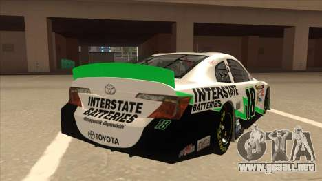 Toyota Camry NASCAR No. 18 Interstate Batteries para la visión correcta GTA San Andreas