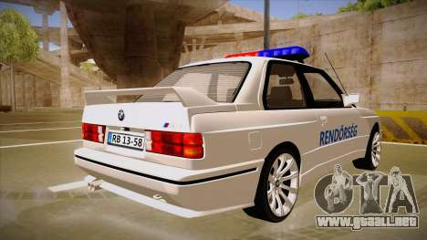 BMW M3 E30 Rendőrség para la visión correcta GTA San Andreas