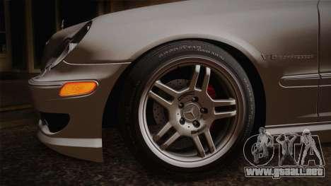 Mercedes-Benz C32 AMG 2004 para GTA San Andreas vista hacia atrás