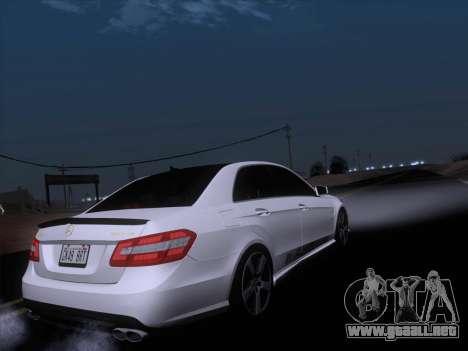 Mercedes-Benz E63 AMG 2011 Special Edition para GTA San Andreas interior