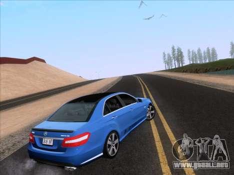 Mercedes-Benz E63 AMG 2011 Special Edition para GTA San Andreas left