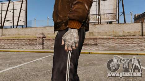 Guantes para GTA 4 adelante de pantalla