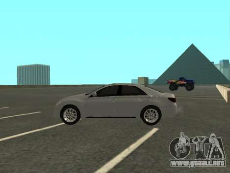 Toyota Mark X para GTA San Andreas left