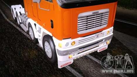 Freightliner Argosy 8x4 para vista lateral GTA San Andreas