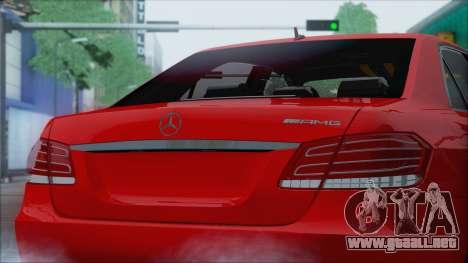 Mercedes-Benz E63 AMG 2014 para GTA San Andreas vista hacia atrás