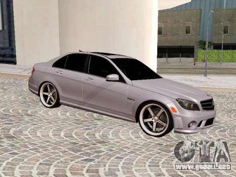 Mercedes-Benz C63 para GTA San Andreas left