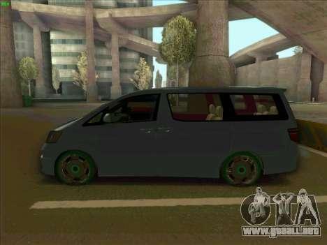Toyota Alphard para GTA San Andreas left