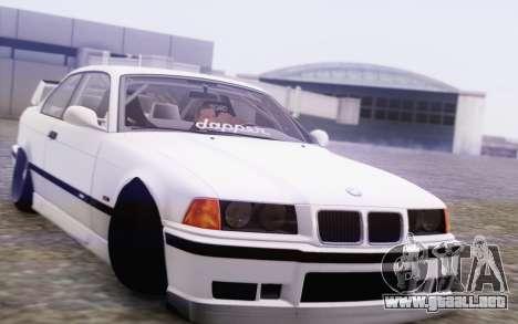BMW M3 E36 Hellaflush para GTA San Andreas vista hacia atrás