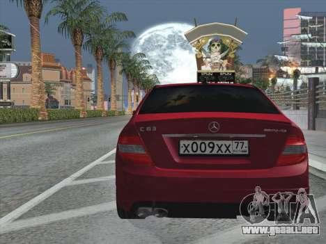 Mercedes-Benz C63 AMG HQLM para vista inferior GTA San Andreas