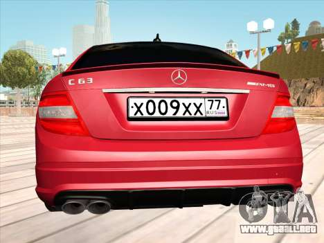 Mercedes-Benz C63 AMG HQLM para la visión correcta GTA San Andreas