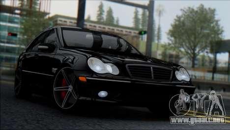 Mercedes-Benz C32 Vossen para GTA San Andreas vista posterior izquierda