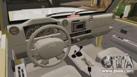 Toyota Land Cruiser 70 2014 para GTA 4 vista hacia atrás
