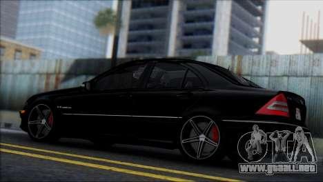 Mercedes-Benz C32 Vossen para la visión correcta GTA San Andreas