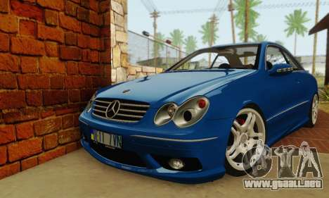 Mercedes-Benz CLK55 AMG 2003 para GTA San Andreas left