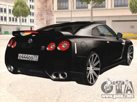 Nissan GTR-R35 Spec-V para la visión correcta GTA San Andreas