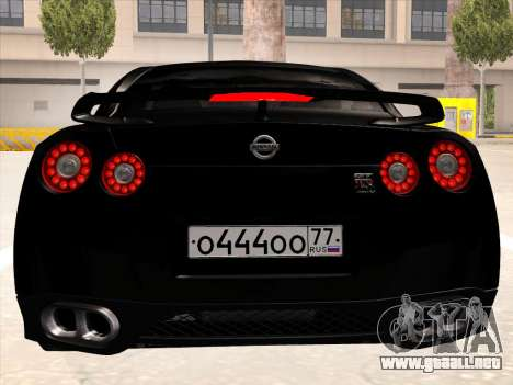 Nissan GTR-R35 Spec-V para GTA San Andreas vista hacia atrás