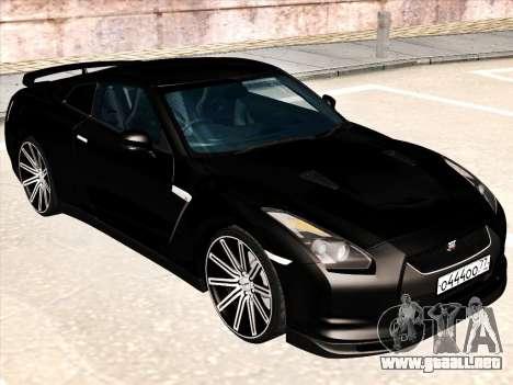 Nissan GTR-R35 Spec-V para GTA San Andreas left