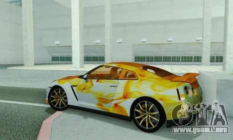 Nissan GTR Heavy Fire para GTA San Andreas vista posterior izquierda