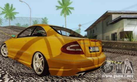 Mercedes-Benz CLK55 AMG 2003 para vista inferior GTA San Andreas