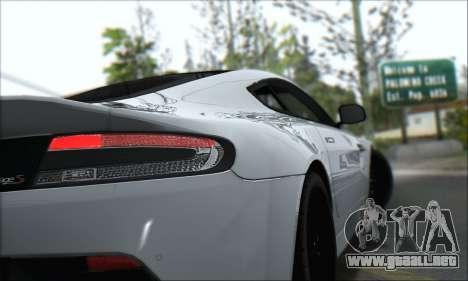 Aston Martin V12 Vantage S 2013 para visión interna GTA San Andreas