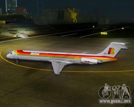 McDonnell Douglas MD-82 Iberia para vista inferior GTA San Andreas