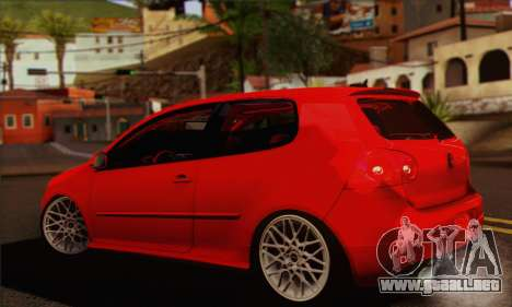Volkswagen Golf 5 para GTA San Andreas left