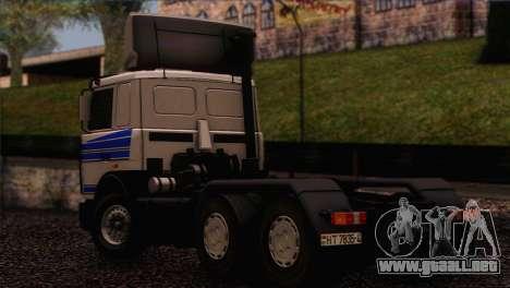 MAZ 642208 para GTA San Andreas left