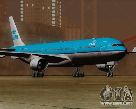 Airbus A330-300 KLM Royal Dutch Airlines para GTA San Andreas vista posterior izquierda