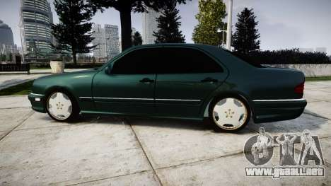 Mercedes-Benz W210 E55 2000 AMG para GTA 4 left